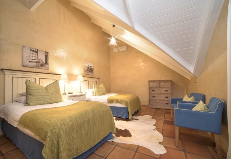 Fam-Suite-second-bedroom-2