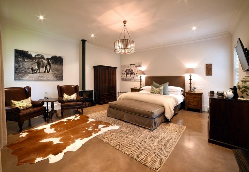 Ndlovu-bedroom