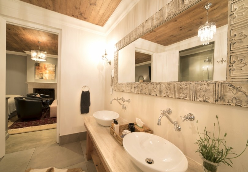 SD-Le-Rouge-bathroom-31