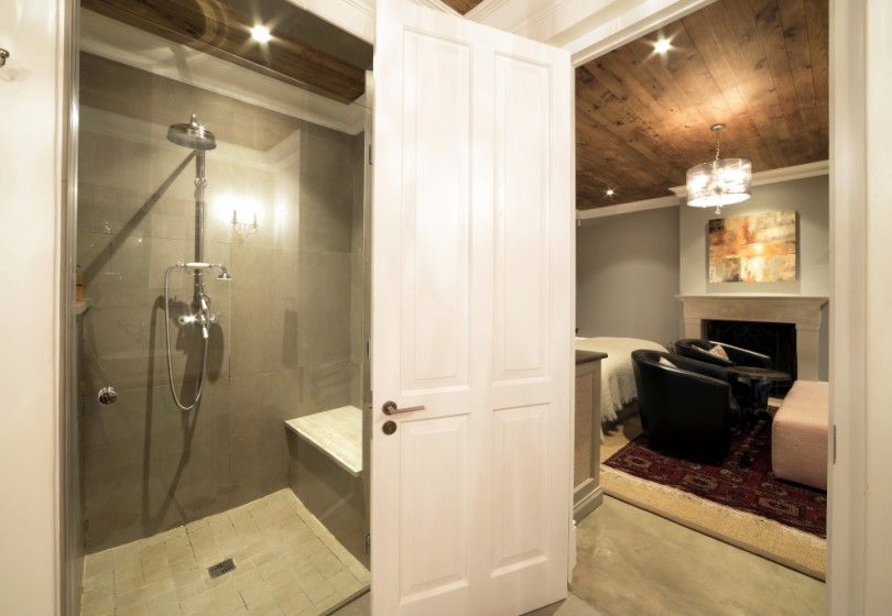 SD-Le-Rouge-bathroom-33