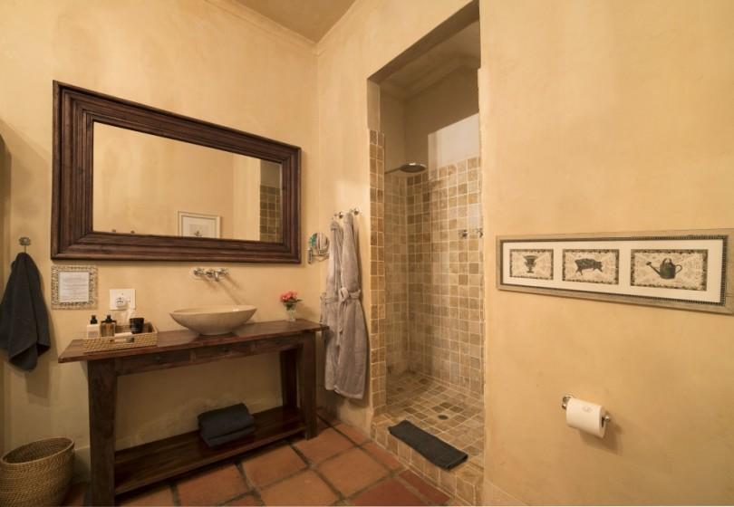Superior-Room-Winelands-bathroom-3