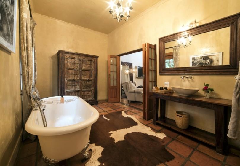 Superior-Room-Winelands-bathroom-31